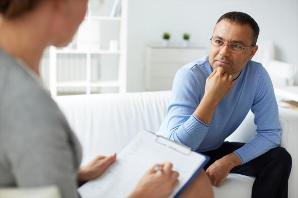 Poradnia zdrowia psychicznego – jakiej pomocy może udzielić?