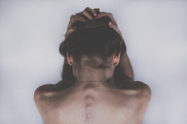 Ponad 80 proc. Polaków skarży się na ból kręgosłupa