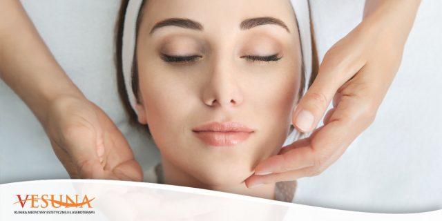 Jak dbać o skórę powiek – 5 kroków