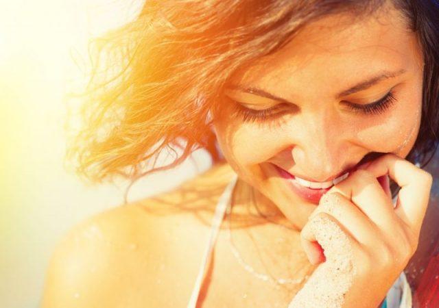 Przebarwienia posłoneczne – jak sobie z nimi radzić?