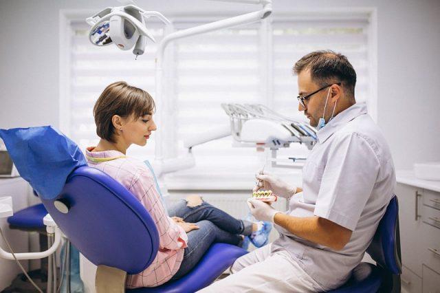 Spodziewasz się dziecka? Nie zapominaj o kontrolach stomatologicznych