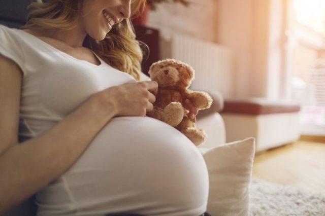 Fizjoterapia w ciąży i po porodzie – kiedy zgłosić się do specjalisty?